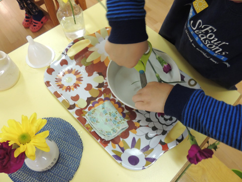 flower-arranging-four-seasons-montessori-1